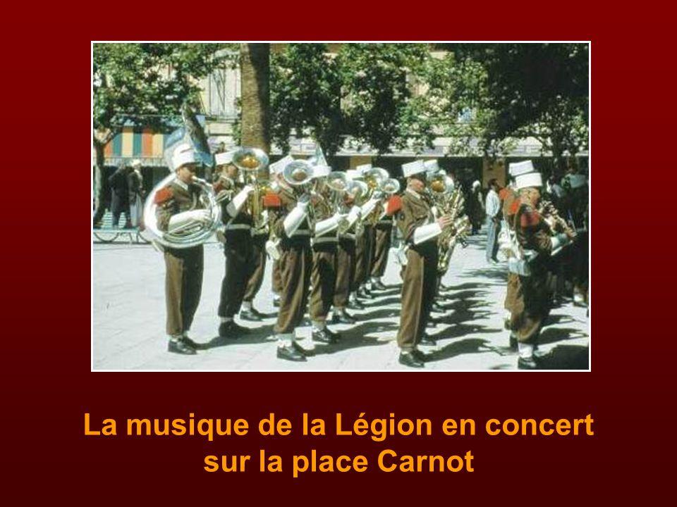Le monument aux Morts de la Légion Etrangère au quartier Viénot