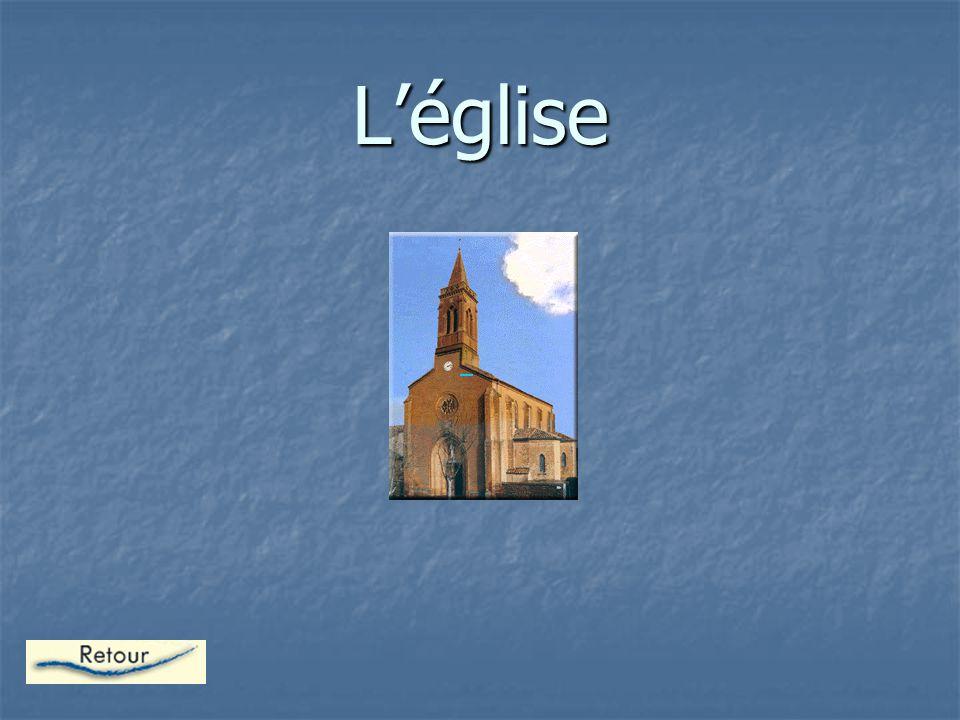 La Chapelle IMAGE Ce petit édifice religieux nommé chapelle est un lieu où les moines se regroupe pour prier.