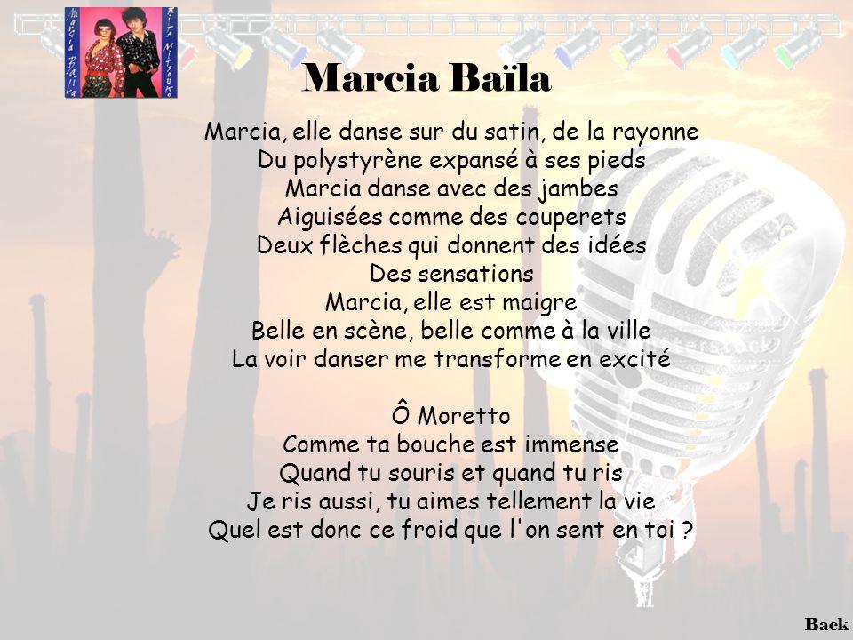 Back Marcia Baïla Marcia, elle danse sur du satin, de la rayonne Du polystyrène expansé à ses pieds Marcia danse avec des jambes Aiguisées comme des c