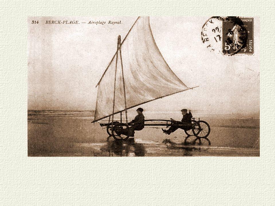 Sur la plage - Concours de voiturettes à voiles....