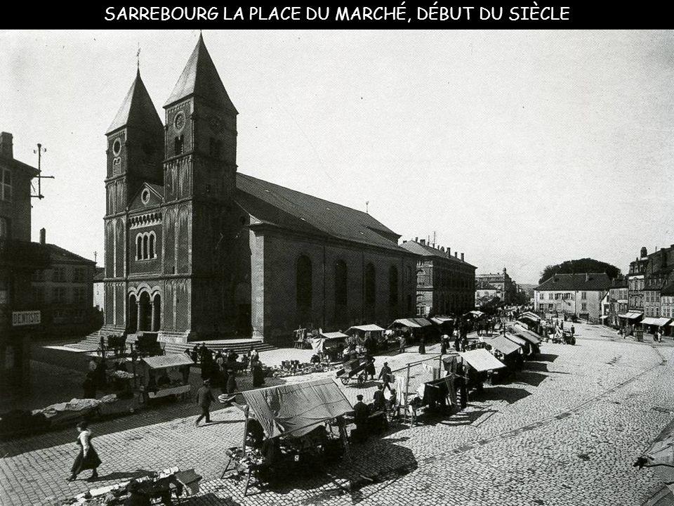 Lunéville marché au pied de l'église Saint-Jacques 1903