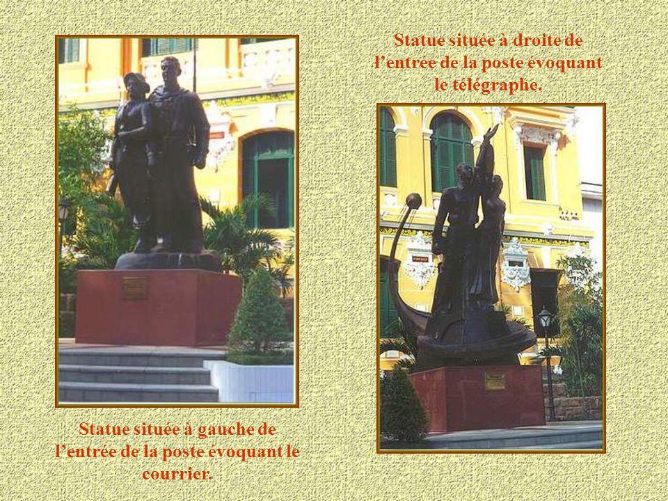 La marquise en verre et la charpente métallique de la poste sont une œuvre de Gustave Eiffel. Les couleurs pastel des murs, l'espace et les ventilateu