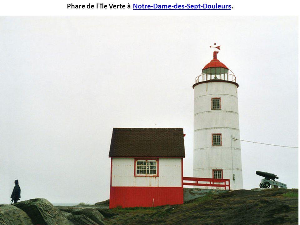 Moulin à vent de l'Économusée, sur L'Isle-aux-Coudres.