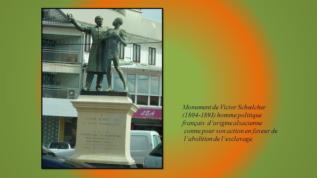 Monument de Victor Schœlcher (1804-1893) homme politique français d'origine alsacienne connu pour son action en faveur de l'abolition de l'esclavage.