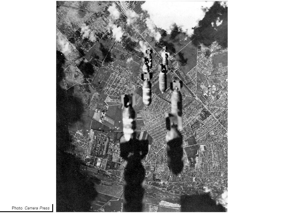 Plan des impacts de bombes, premier état des lieux Archives municipales de St Denis