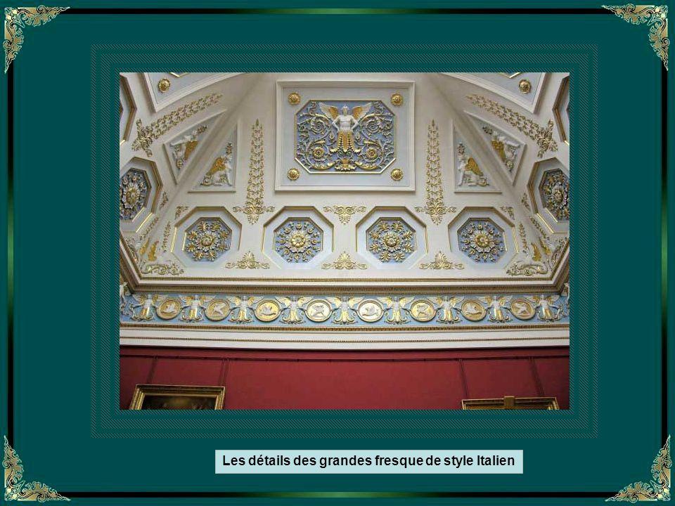 Les détails des grandes fresque de style Italien