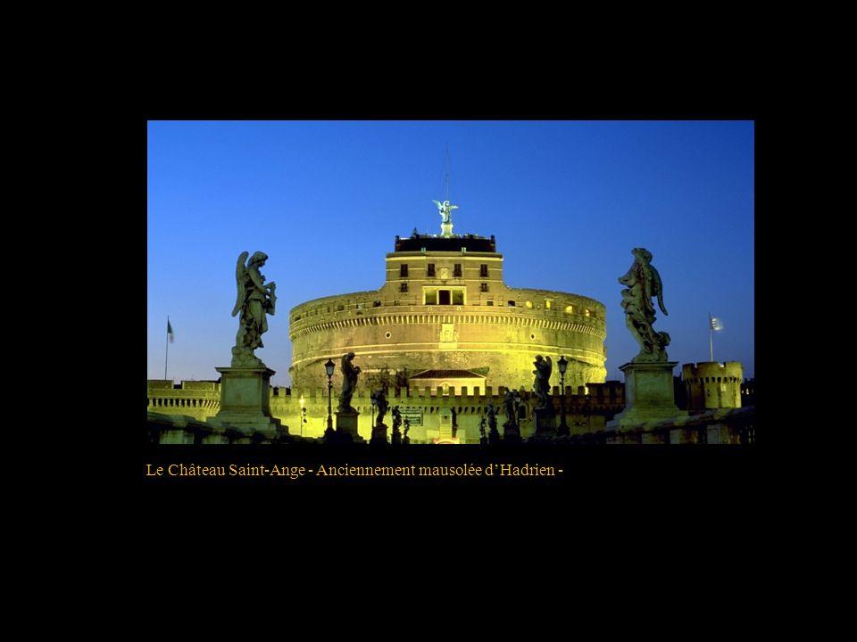Le Château Saint-Ange - Anciennement mausolée d'Hadrien -
