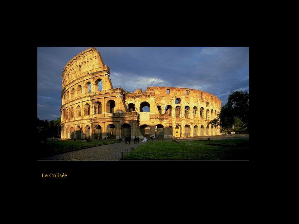 La Louve Romaine « Le sénat et le peuple romain » La devise de la Rome Impériale : « Senatus Populus Que Romanus »