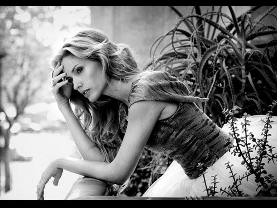 Il faut vivre comme on pense, sinon tôt ou tard on finit par penser comme on a vécu. - P. Bourget