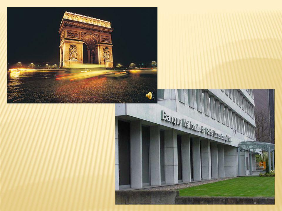  Les huit départements représentent 25% des revenus de France.  L' Ile de France est le plus important province pour l'industrie.  La principale re