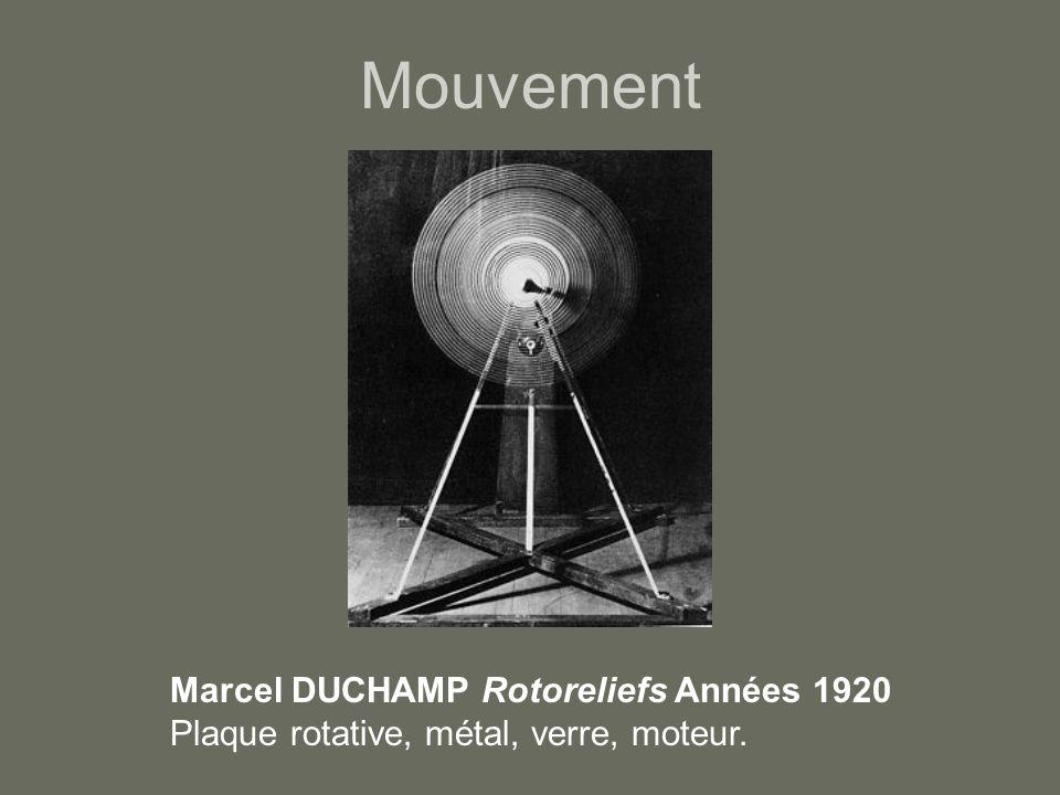 Mouvement Marcel DUCHAMP Rotoreliefs Années 1920 Plaque rotative, métal, verre, moteur.