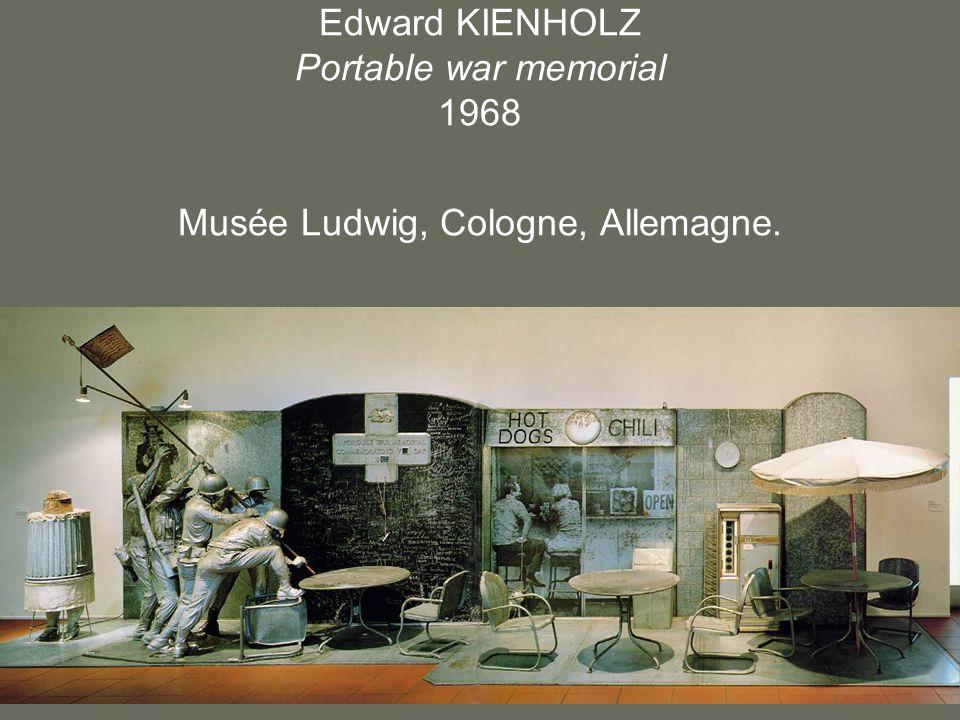 Edward KIENHOLZ Portable war memorial 1968 Musée Ludwig, Cologne, Allemagne.