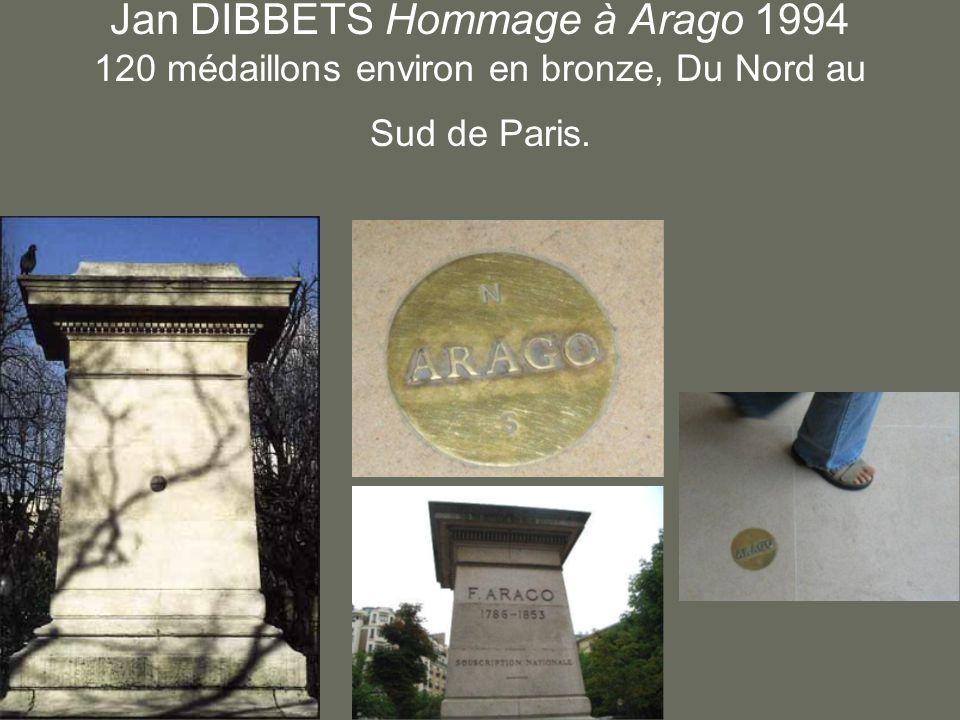 Jan DIBBETS Hommage à Arago 1994 120 médaillons environ en bronze, Du Nord au Sud de Paris.