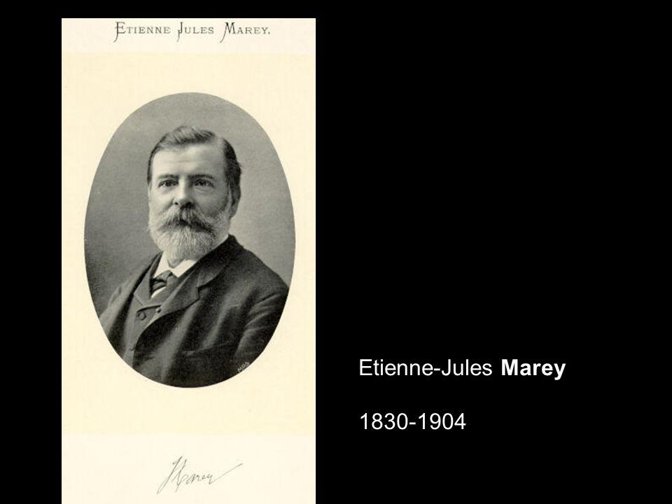 En 1882, Marey expérimente un fusil photographique, inspiré du Chronophotographe de Jules Janssen, capable de prendre très rapidement une série de photographies.