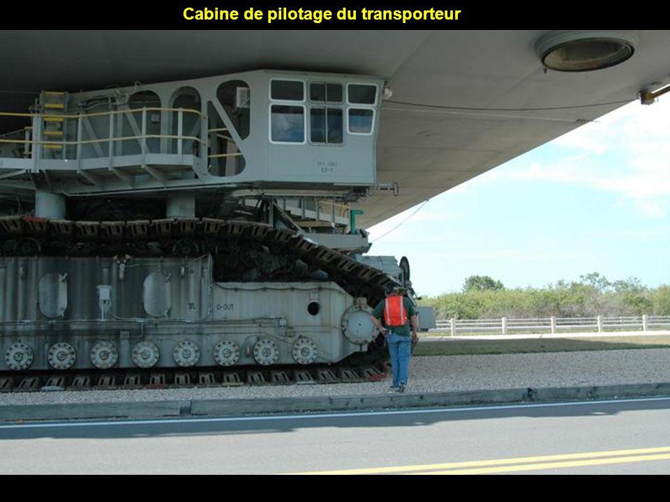 Cabine de pilotage du transporteur