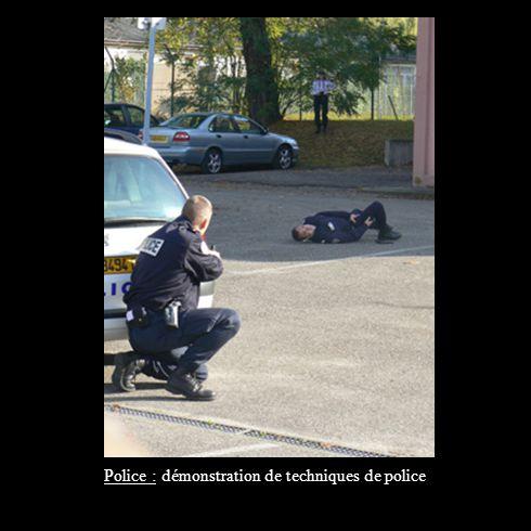 Police : démonstration de techniques de police