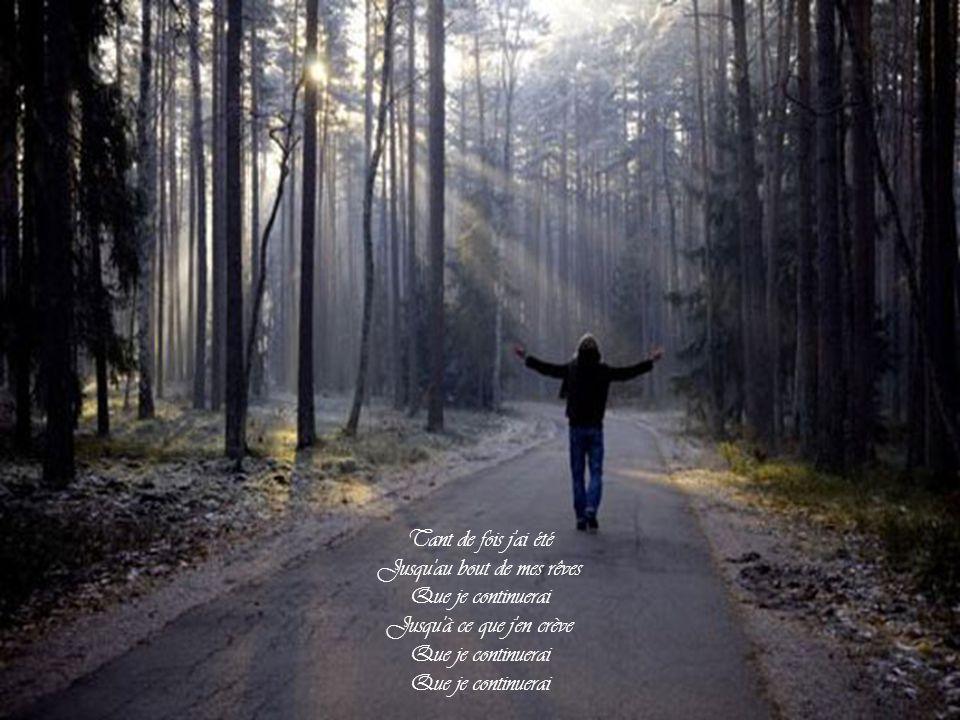 Celui qui n'a jamais été seul Au moins une fois dans sa vie Peut-il seulement aimer Peut-il aimer jamais