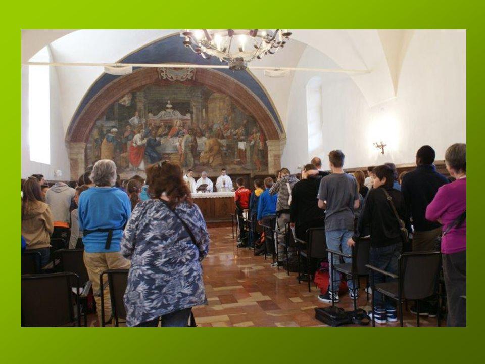 Nous sommes réunis pour la messe..