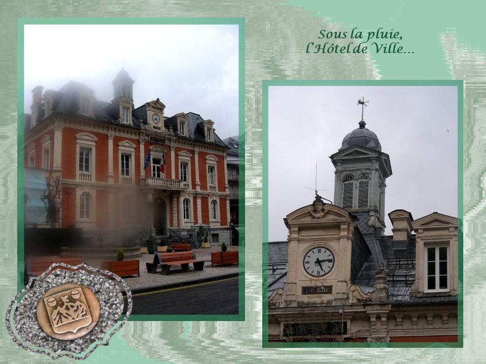 La grande renommée de Cauterets date du XVI e siècle, puisque la Reine Marguerite, sœur de François 1 er, y venait avec sa cour.