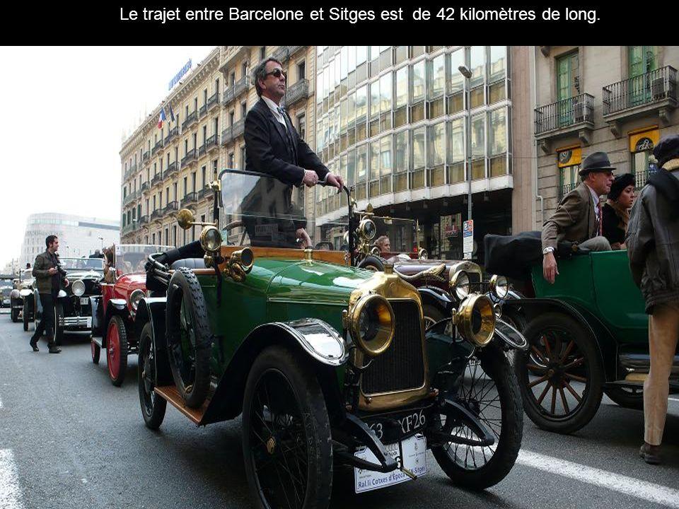 Le trajet entre Barcelone et Sitges est de 42 kilomètres de long.