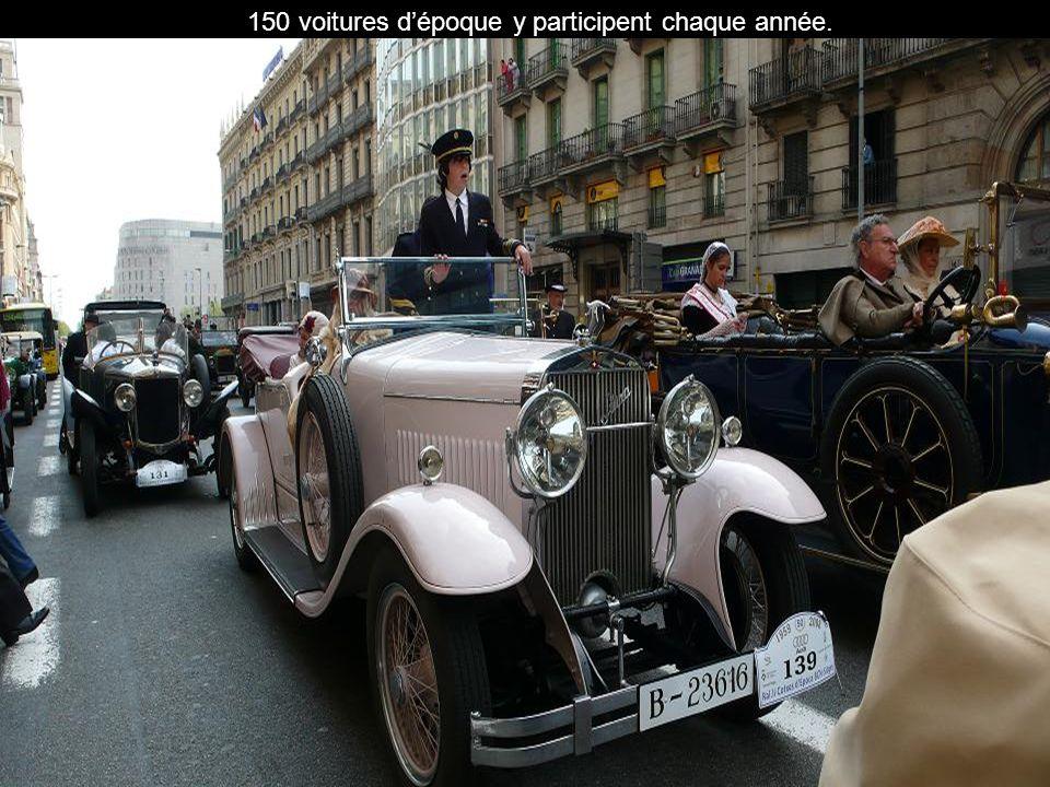 150 voitures d'époque y participent chaque année.