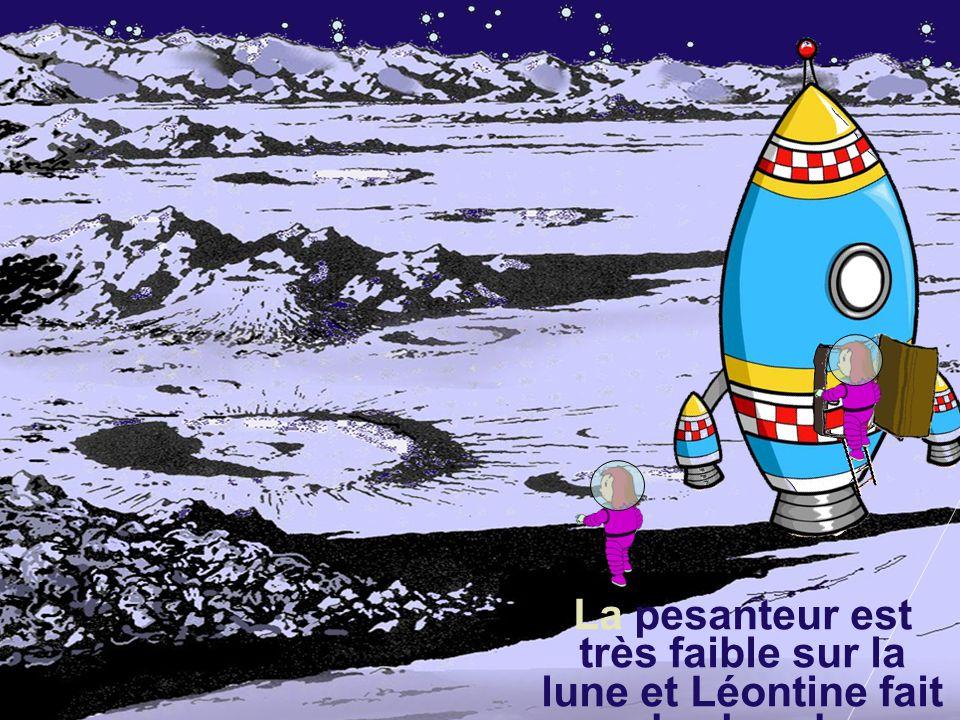 La fusée se pose en douceur sur le sol lunaire