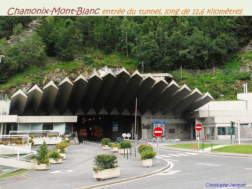 Chamonix-Mont-Blanc avenue Michel Croz