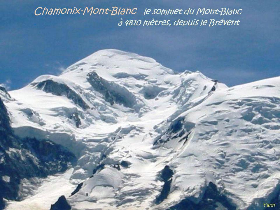 Chamonix-Mont-Blanc une vue depuis l'Aiguille du Midi