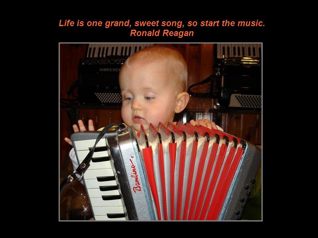 En 2010 Prends un bain de musique une à deux fois par semaine pendant quelques années et tu verras que la musique est à l âme ce que l eau du bain est au corps. Oliver Wendell Holmes
