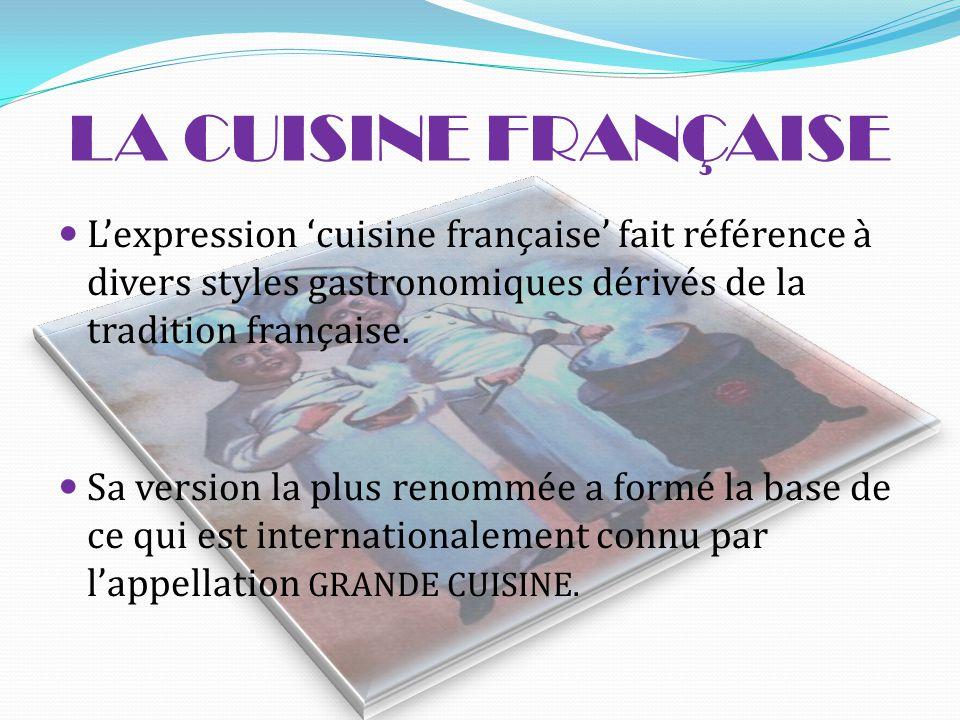 LA DÉFINITION  La gastronomie est un ensemble de connaissance et de pratiques.  La gastronomie est l'art de bien préparer les repas et de bien les d