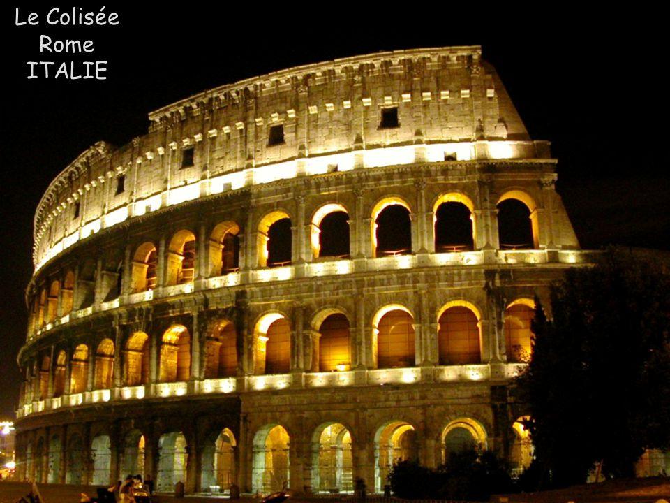 Le Colisée Rome ITALIE