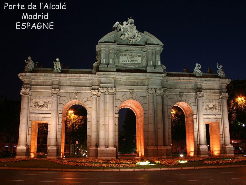 Porte de l'Alcalá Madrid ESPAGNE