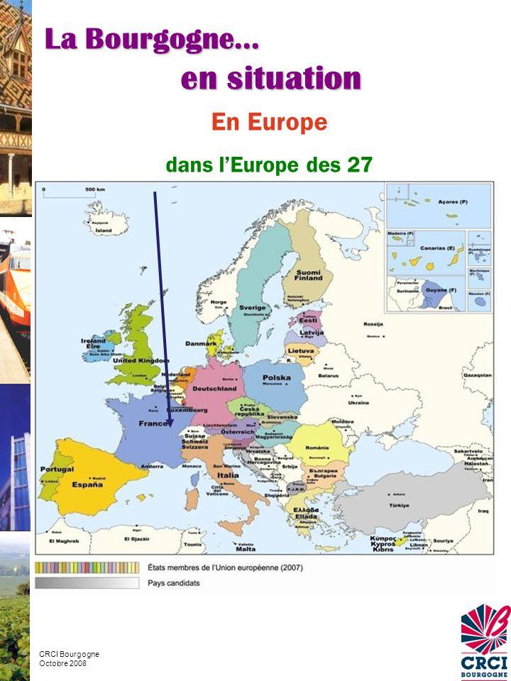En France 6 ème rang pour la superficie : 31 600 km² 16 ème rang pour la population : 1 626 000 habitants Source Insee – estimation de la population au 1/01/2007 2,7 % de la population française 51 hab/km² Densité France : 111hab/km2 La Bourgogne… en situation CRCI Bourgogne Octobre 2008 Source Insee – TEB 2006
