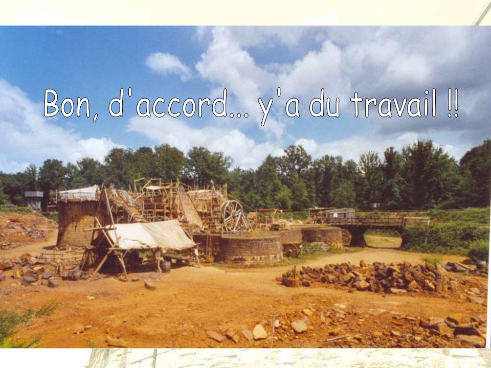 Le site de Guédelon est un chantier médiéval, dont la construction s'effectue dans le respect des techniques du 13ème siècle. Voici à quoi il devrait