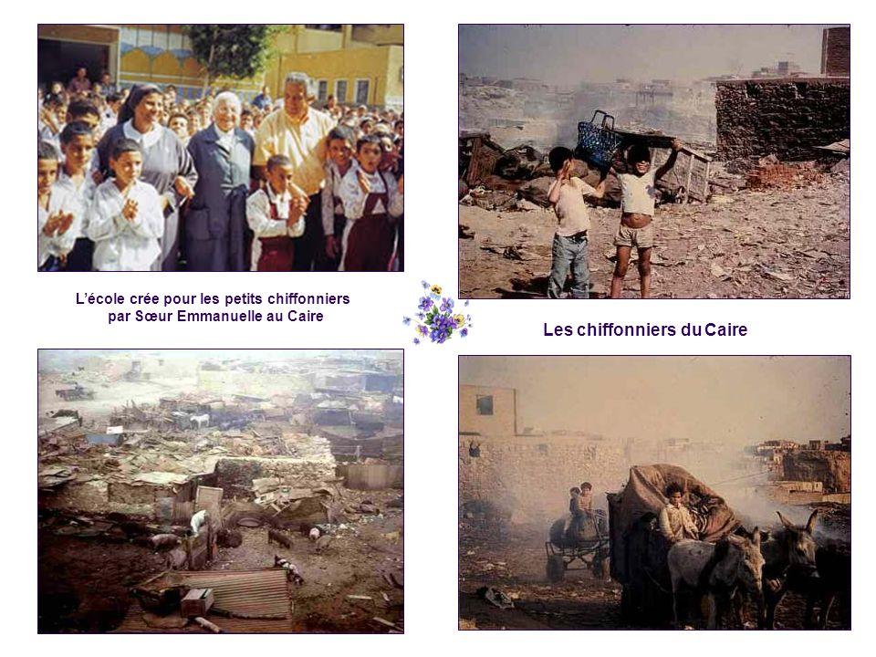 Les chiffonniers du Caire L'école crée pour les petits chiffonniers par Sœur Emmanuelle au Caire