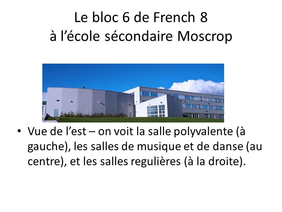 Le bloc 6 de French 8 à l'école sécondaire Moscrop • Vue de l'est – on voit la salle polyvalente (à gauche), les salles de musique et de danse (au centre), et les salles regulières (à la droite).