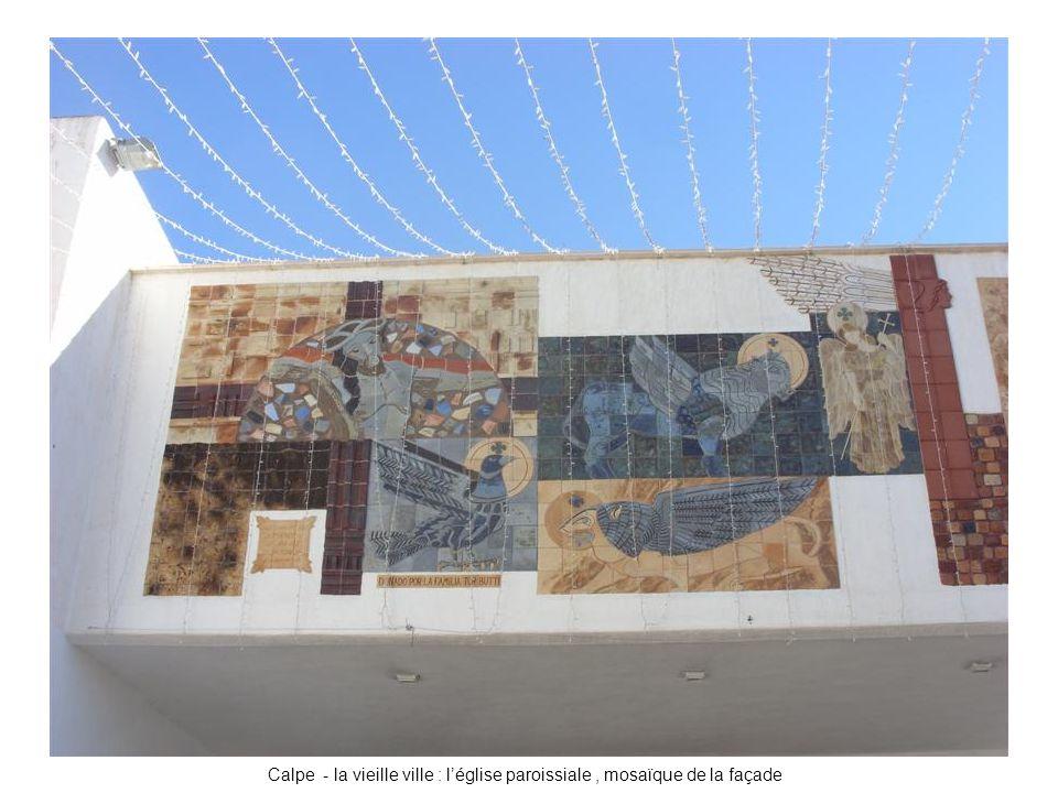 Calpe - la vieille ville : l'église paroissiale, mosaïque de la façade