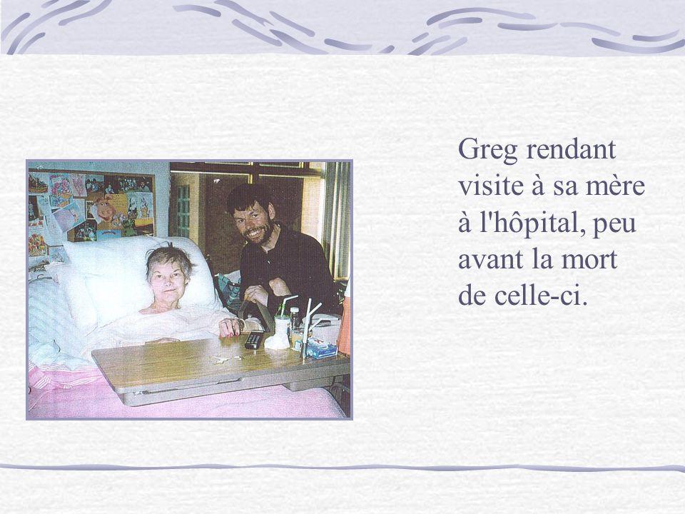 Greg rendant visite à sa mère à l hôpital, peu avant la mort de celle-ci.