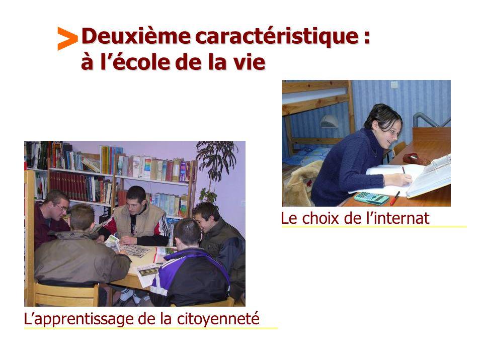 Maison Familiale Rurale d'Éducation et d'Orientation - 12 Deuxième caractéristique : à l'école de la vie Le choix de l'internat L'apprentissage de la citoyenneté