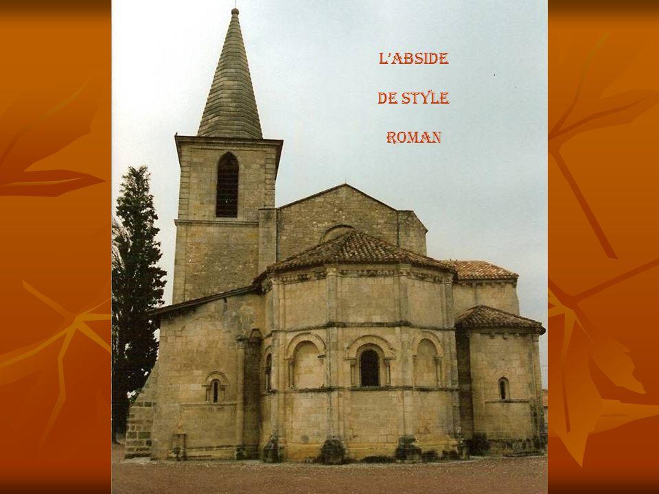 Façade gothique Style saintongeais