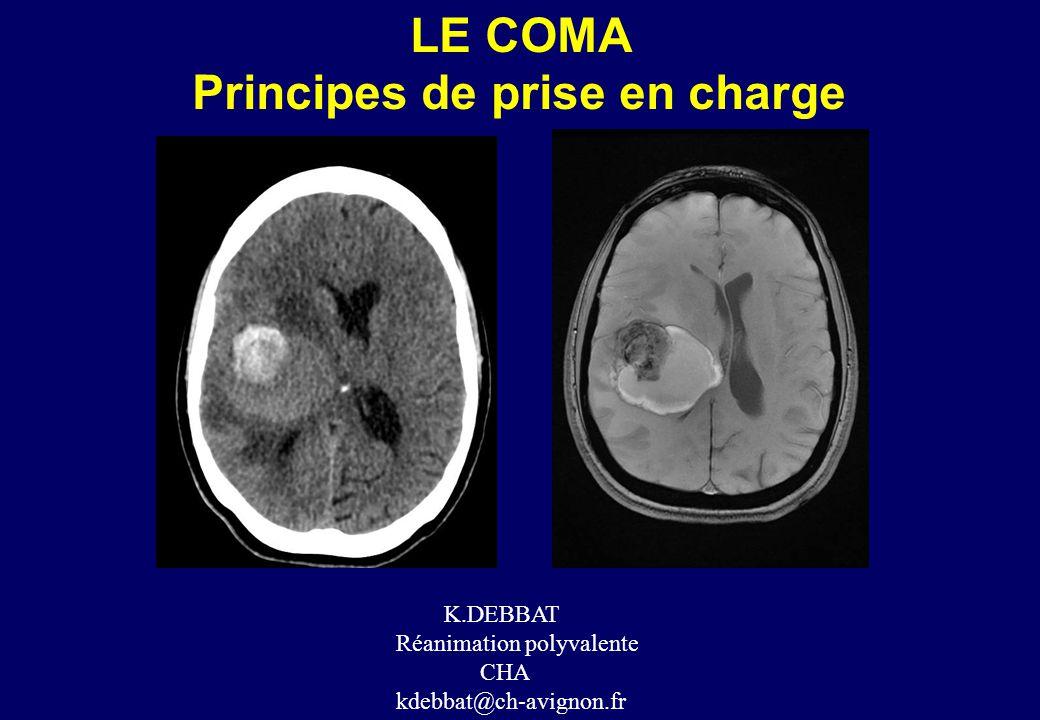 LE COMA •La définition du coma est clinique et associe: • 1 – une altération de la vigilance qui se manifeste par une somnolence irréversible malgré l'application de stimulations extérieures (« le patient ne peut être réveillé), qui est caractérisée par l'occlusion (plus ou moins complète) palpébrale (« le patient repose les yeux fermés »); •2 - une abolition de la conscience qui correspond à une absence de connaissance de soi-même et de l'environnement et se manifeste par la suspension du langage et de mouvements dirigés de façon précise vers les stimulations nociceptives