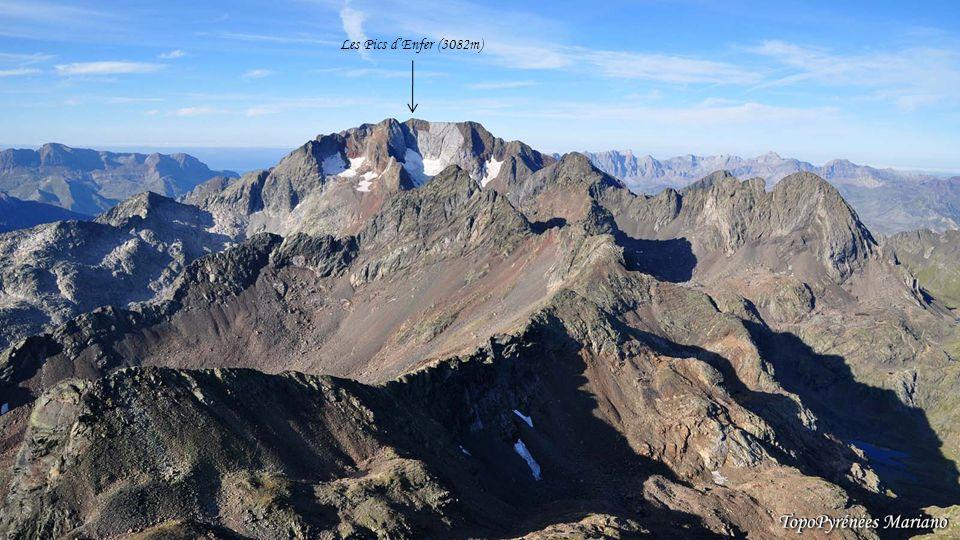 ........ Panorama depuis le sommet du Visaurin (2669m) Balaitous (3144m) Mont Perdu (3355m) La Collarada (2886m)