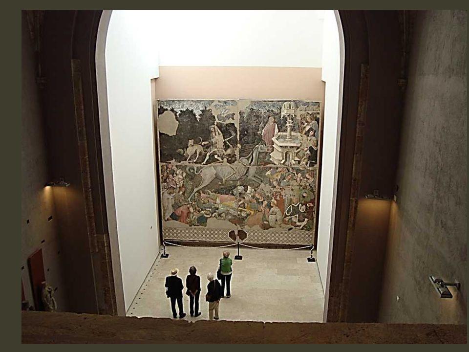 Dans un musée, l' ancien palaccio Batellis (bombardé en 1943, restauré en 1954) : là, le choc d'une fresque étonnante de 6 mètres, en 4 panneaux… d'un