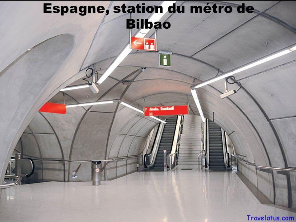 Espagne, Barcelone station Drassanes,