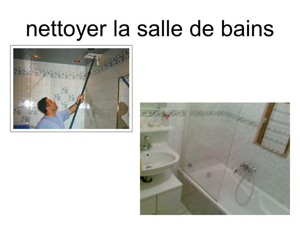 nettoyer la salle de bains