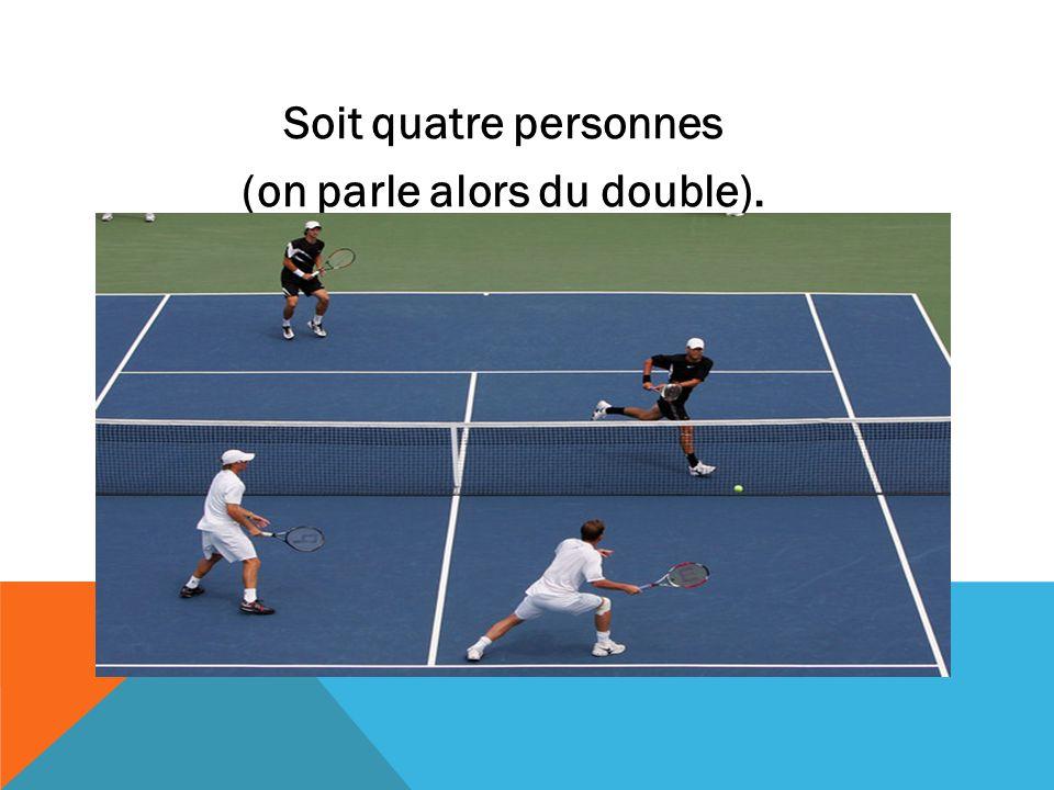 LE TENNIS EST UN SPORT DE RAQUETTE QUI OPPOSE SOIT DEUX JOUEURS (ON PARLE ALORS DE SIMPLE).SPORT DE RAQUETTE