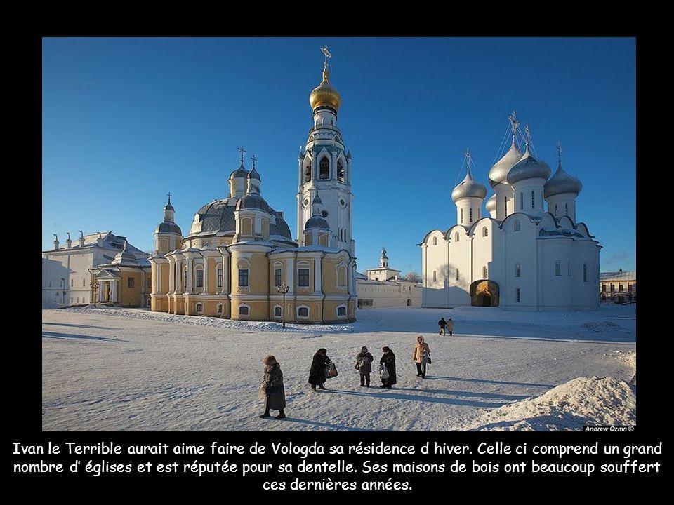 La cathédrale Sainte Sophie et Le Kremlin de Vologda