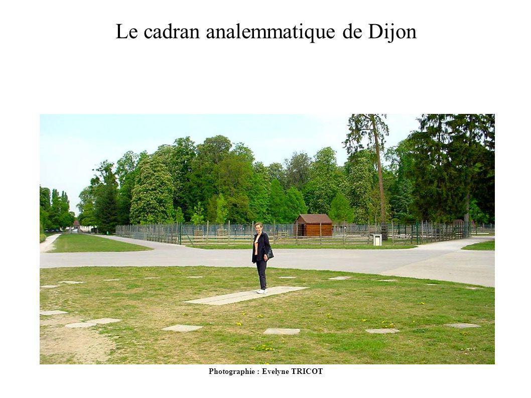 Photographie : Evelyne TRICOT Le cadran analemmatique de Dijon