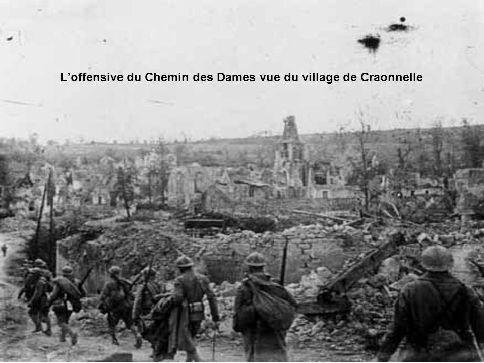 •En 1914, quand les armées entrèrent en collision, chacune avait déjà, un service de santé. Il ne serait ni intéressant, ni utile, de s'étendre longue