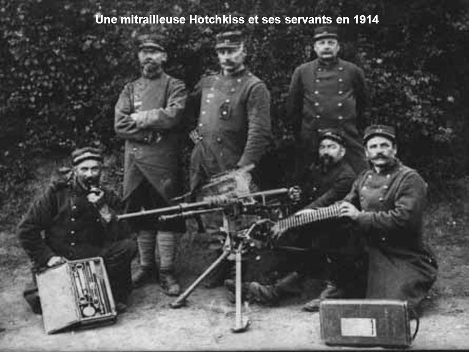 Blessés français attendant l'évacuation au fort de Tavannes, 1916